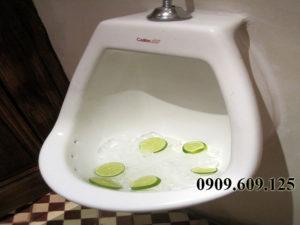 khu-mui-toilet