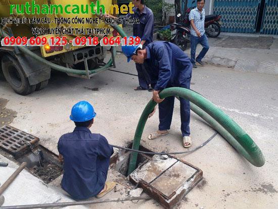 Lắp đặt nạo vét chất thải đường cống